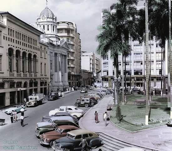 Plaza de Caicedo 1961 Foto: Ullstein Bild Color Saúl Ramírez.