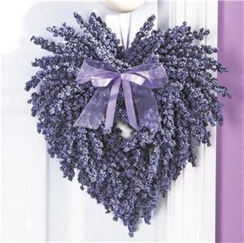 This is the most adorable wreath!!!!!! Could be for Valentine's Day, but could be a permanent decoration on your wall also!!!! LOVE!!!!!