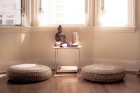 Faça na sua casa um espaço zen, aquele canto gostoso pra você meditar e pensar na vida, com calma e tranquilidade!