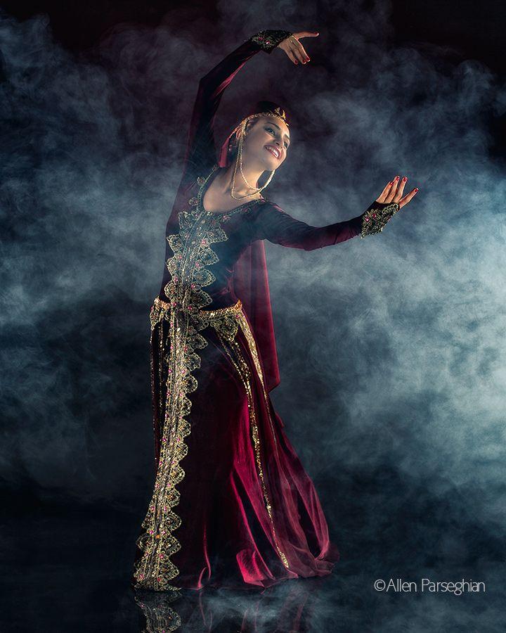 Armenian dancer, Talin Mehranian