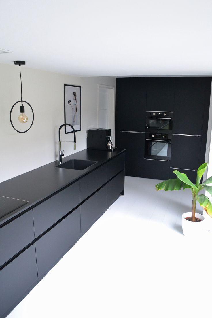 All Black Kitchen Nolte Kuchen Instagram @deense_zomer