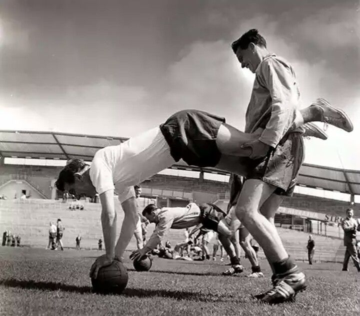 England training before the 1958 World Cup, Johnny Haynes and Bobby Robson in foreground