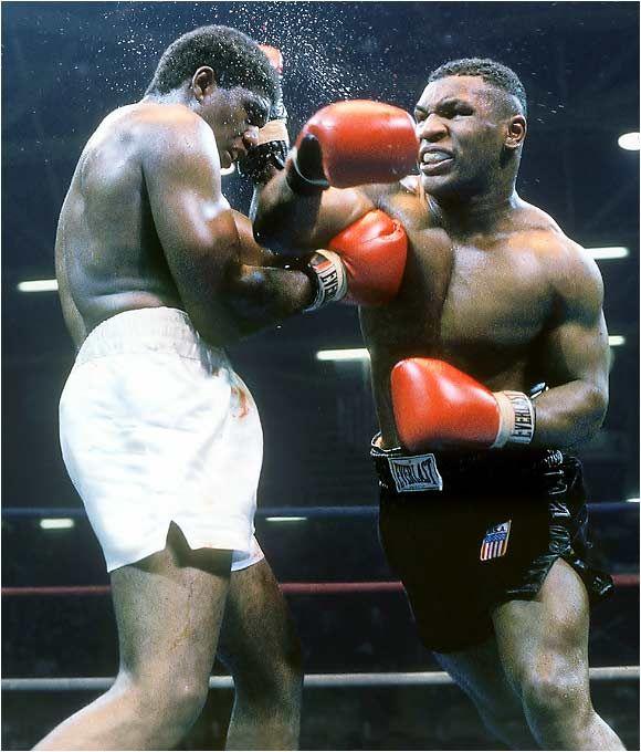 Mike Tyson... WBC Heavyweight Title, Trevor Berbick! Won with a KO-Tyson!