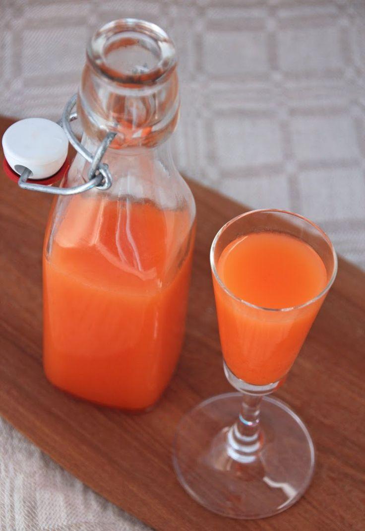 Just nu tar jag dagligen ett litet glas av denna ingefärsshot eller förkylningsshot (de har så många namn). De kan göras lite olika men vanliga ingredienser förutom ingefära är citron, lime, apelsi…