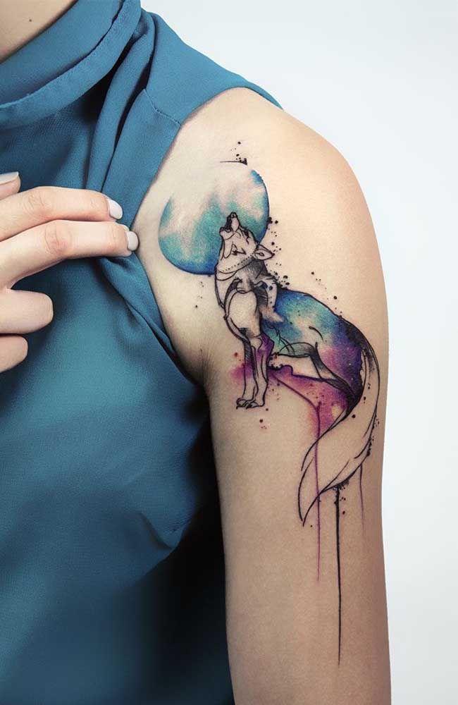 Tatuagem no ombro: 70 ideias com fotos, dicas e cuidados em 2020 | Lobo tatuagem, Tatuagem, Tatuagem de raposa