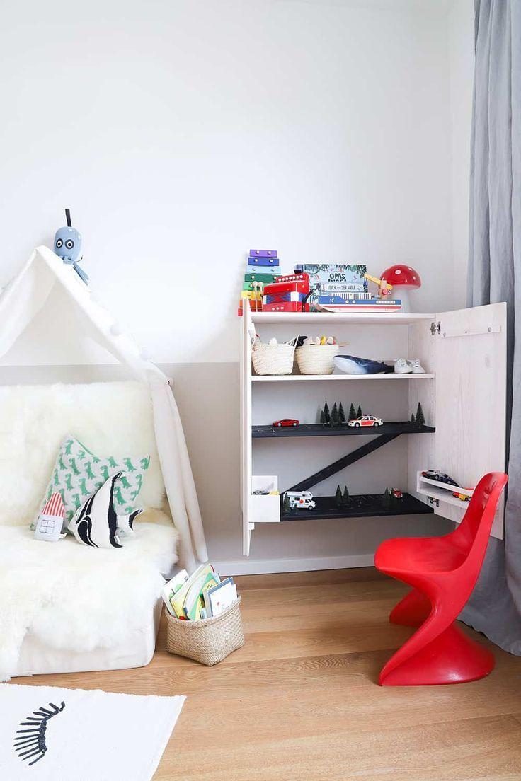Wie man ein Kinderzimmer mit etwas Farbe und ein paar