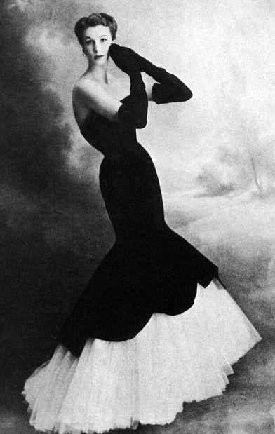 Balenciaga - Vintage - Robe Fourreau Base Volantée - 1951