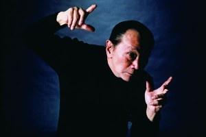 岡本太郎 日本の芸術家。「太陽の塔」の人。 彼の生き様が好き。