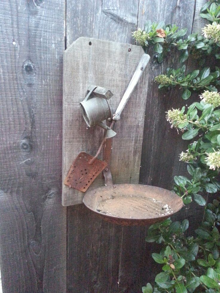 Re Purposed Old Frying Pan Amp Utensils Into A Bird Feeder