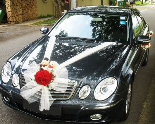 When the bride of the second party vendor does not have to make up the wedding car, we were ready. We also some vintage cars and vintage which can add to the warm atmosphere ... Info detail :081328305569