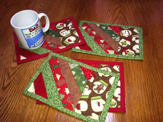 Set of 4 holiday mug rug snack mats by Annascustomquilting on Etsy, $20.00