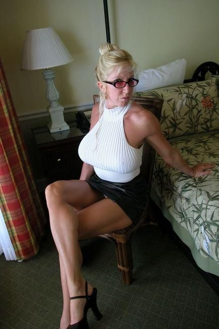 sexy trannies fuck women in all holes