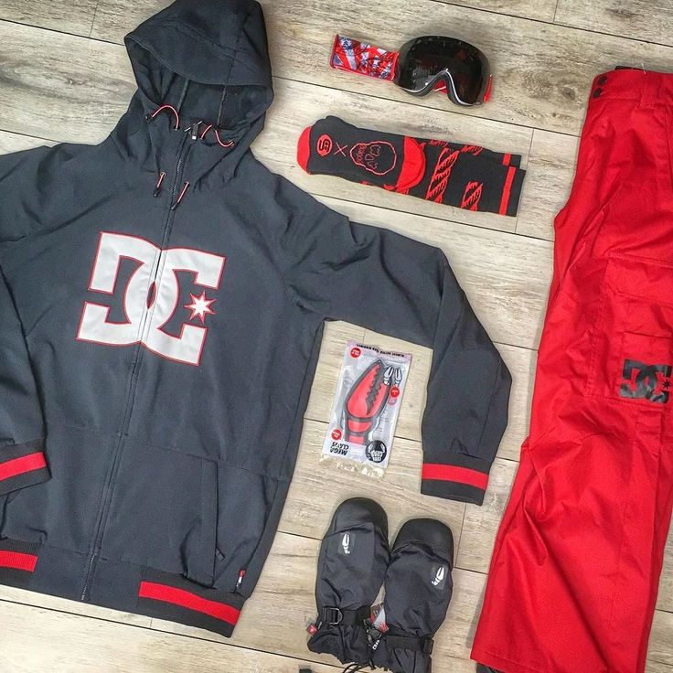 // OUTFIT OF THE DAY //   jacket DC Shoes;   pants DC Shoes;   maschera Out Of;   pad Crab Grab;  moffole Crab Grab;  calzini Stinky socks ft @yawgoons   Vieni a vederlo in negozio o dai un occhio online su   www.kahunashop.it    #kahunashop #outfitoftheday #red #black #outfitinspiration #outfit #outfitideas #snowshop #instadaily #instafashion #instaoutfit #socks  #instasnow #snowboarding #snowboarder #snowboardingseason #stinky #setup #photooftheday #pointofview #winter #instalike #outof…