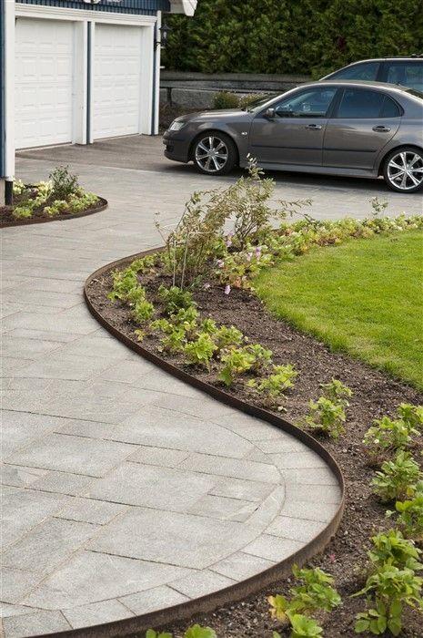 Med metallkantstöd kan du skärma av och dela upp trädgården mellan olika partier. Skapa gångar för tydliga gångstråk. Snygga kantstöd i metall med som ger en rostpatina med tiden.