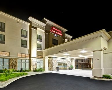 Hampton Inn & Suites by Hilton Guelph Hotel, Ontario, Canada - Driveway View