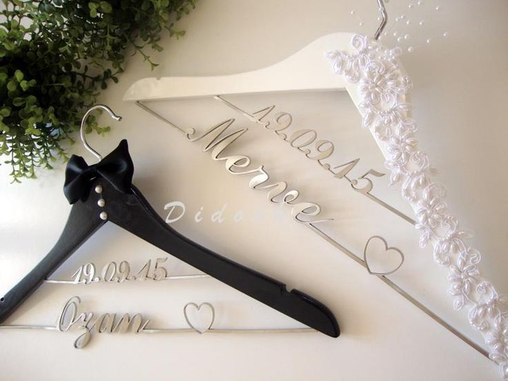 #isimliaskı #hangers #weddinghangers #groom #bride #gelin #damat #evlilik #bohça #çeyiz #askı #elbiseaskısı #bridetobe # duvak #gelinlik #tobebride #ismeözelaskı #wedding #gelinlikaskısı #gelinolmak #çeyizhazırlıkları #tarihliaskı #çiftkatlıaskı
