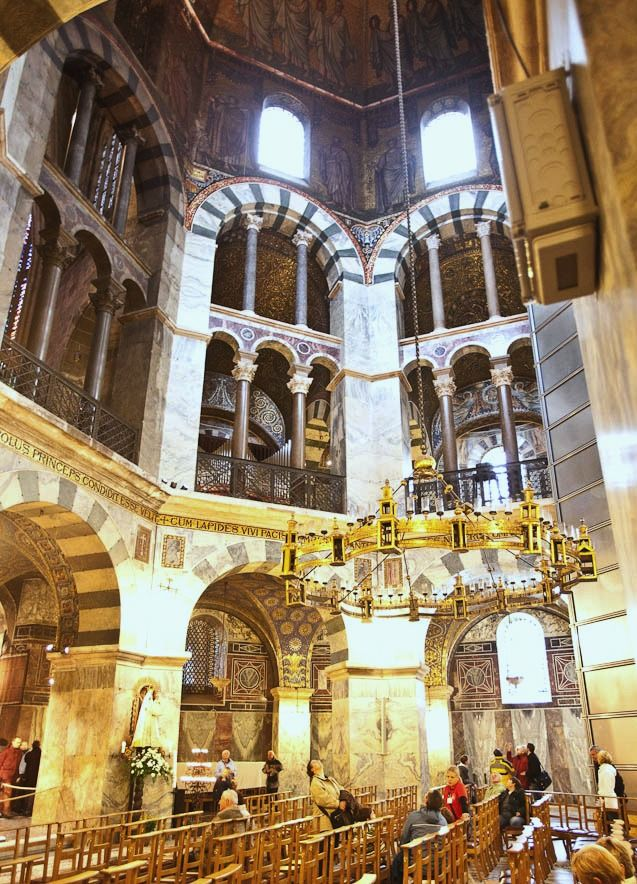 arch: Palatine Chapel, Aachen, Germany, (800), Pre-Romanesque