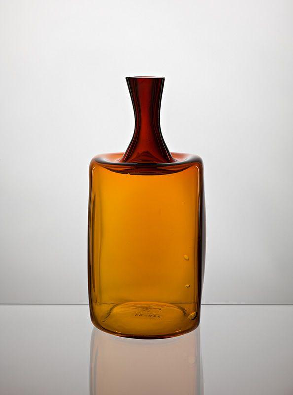 Jaroslav Taraba, blown glass vase, 1965, H: 24,0 cm, D: 11,0 cm, glassworks Lednicke Rovne, Czechoslovakia, property of SNG Bratislava