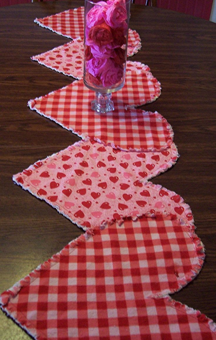 Valentine Table Runner - but made in different fabric!