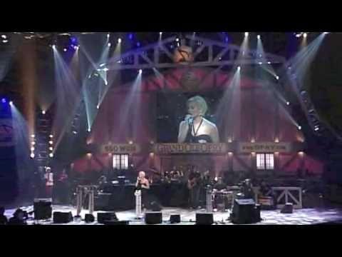 """Kellie Pickler - """"I Wonder"""" Live at the Grand Ole Opry"""