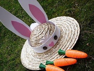 Easter bunny bonnet craft idea for kids from the littlecraftybugs company.