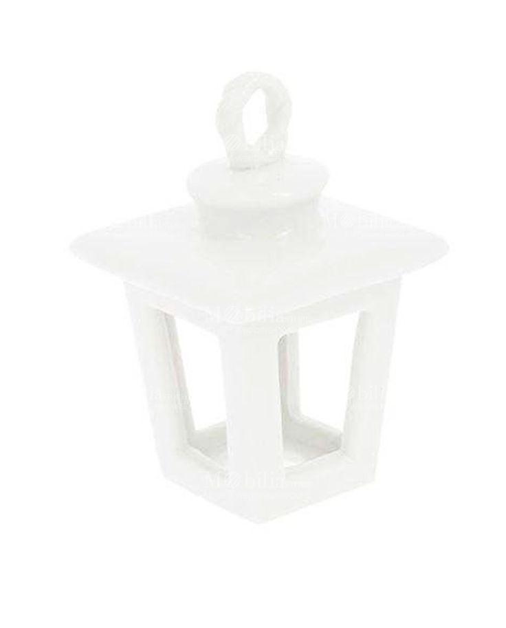Lanterna portacandele in porcellana bianca, ideale per realizzare allestimenti per feste e cerimonie o come originale ed elegante Bomboniera.