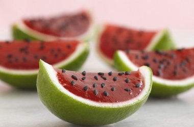 Petite Watermelons Recipes = JELLO SHOOTERS FOR THE STAG N DOE!!!!!!!!