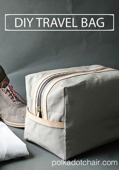 Looking for the perfect gift for the man in your life? This DIY Travel Bag is ideal for a man on the go. He can easily pack all his grooming tools and his favorite Braun razor.