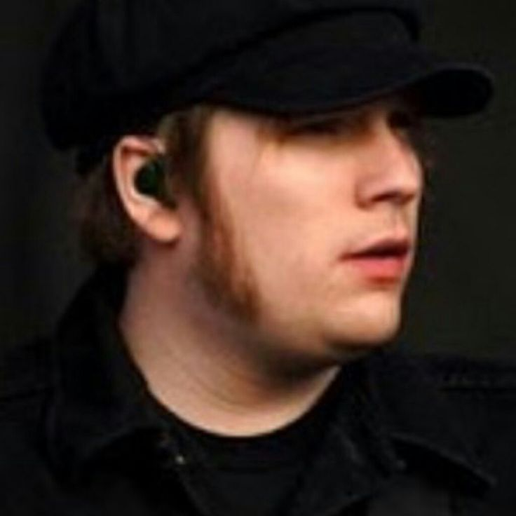 All hail the sideburns