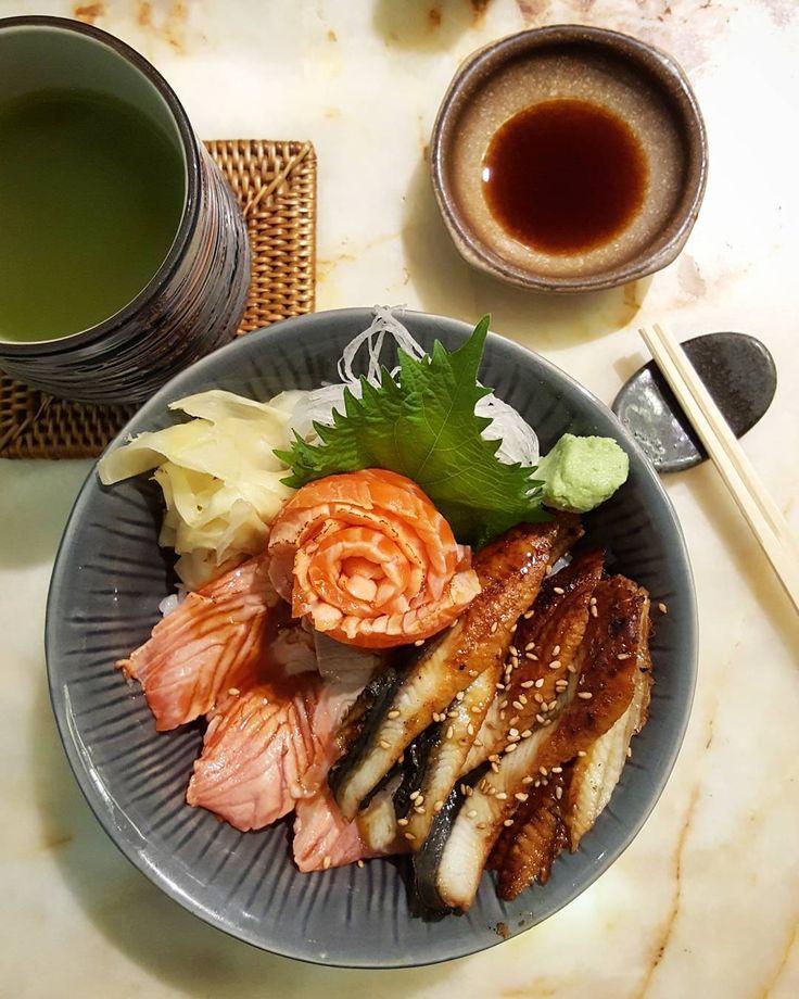 Sake tataki unagi don!  #ichirosushibar #isetan #oneutama #petalingjaya #sushibar #sake #tataki #unagi #seared #salmon #eel #vinegered #rice #pickledginger #wasabi #shisoleaf #bowl #sushi #sashimi #dinner #set #japanese #food #instafood #takepicha #nofilter #mobilephotography #s6edge #gf_malaysia #igersmalaysia by ulric5