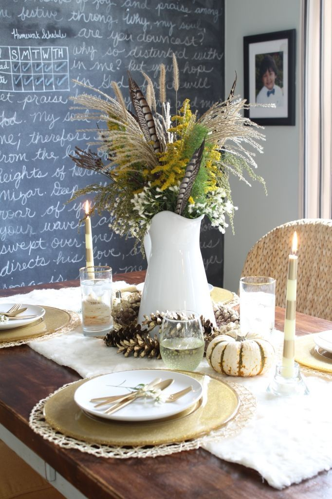Blogger Stylin' Home Tours: Thanksgiving Edition Fall Thanksgiving Table Setting. Table setting ideas for thanksgiving. Holiday table setting ideas. DIY centerpiece. Modern decor. Modern living. Thanksgiving ideas.  http://www.simplestylings.com