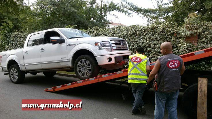 transportes Gruashelp ltda, transportando camioneta Ford F150. gracias por confiar en nosotros.!