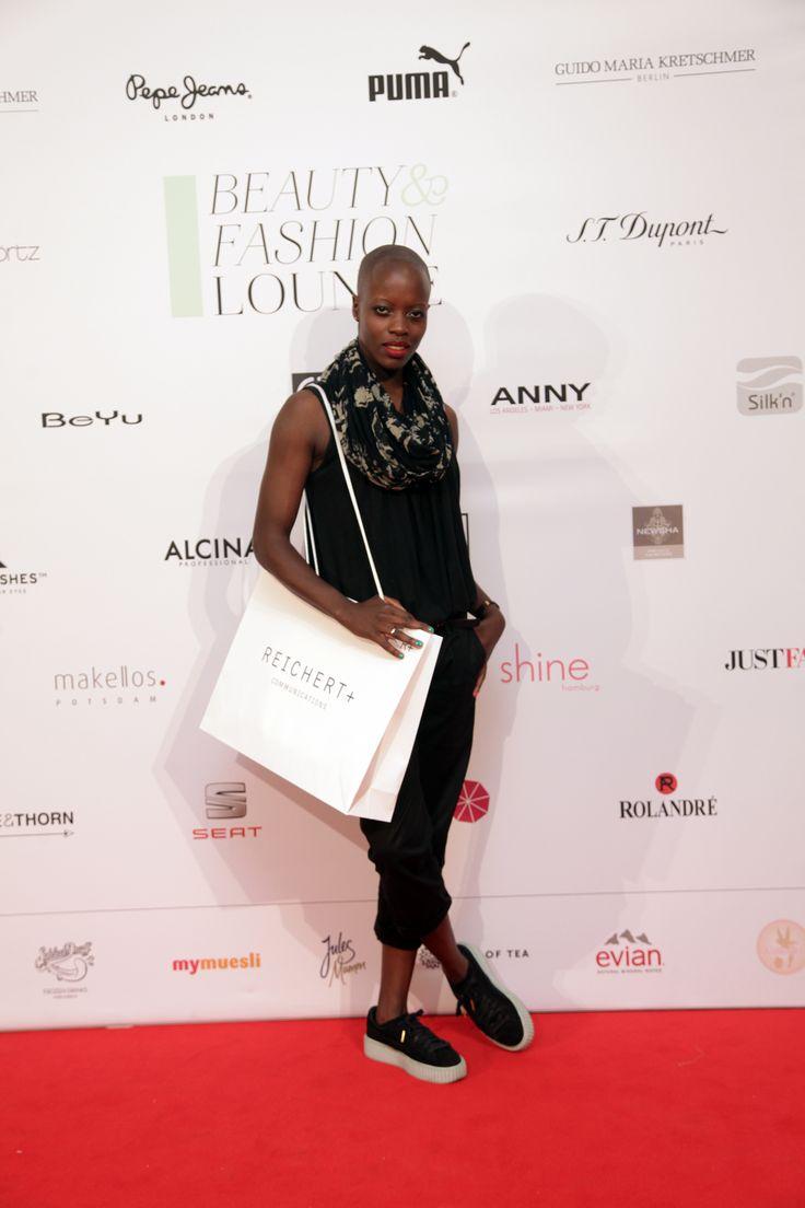 Florence Kasumba bei der Beauty&Fashion Lounge/Gentlemen Corner. © REICHERT+ COMMUNICATIONS