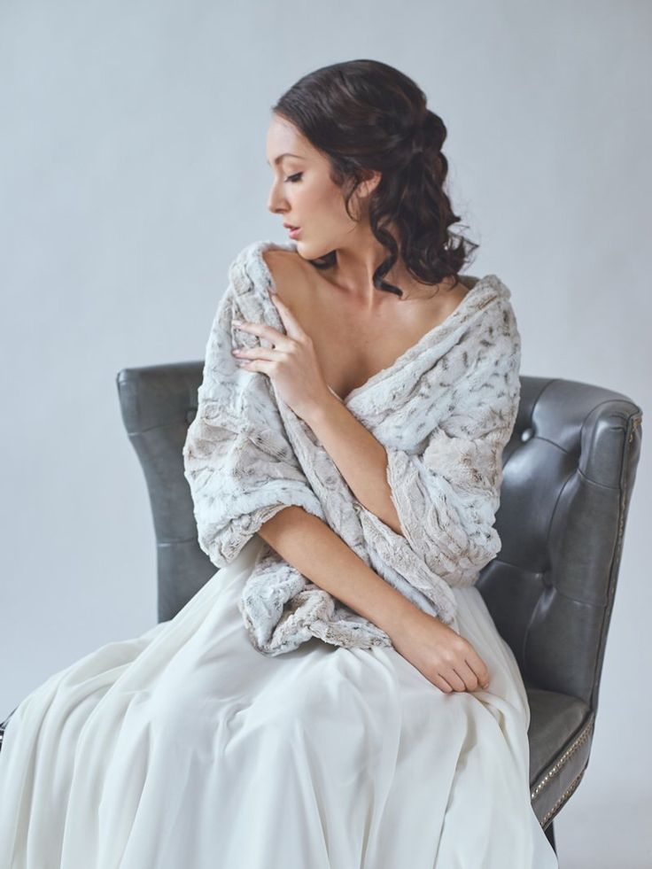 Best 25 wedding shawl ideas on pinterest for Shawls for wedding dresses