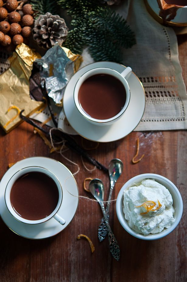 Hot spiced chocolat with scented whipped cream | Gourmantine