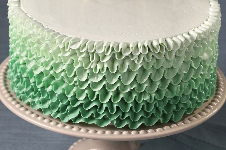 Step-by-Step Buttercream Ruffle Cake Tutorial