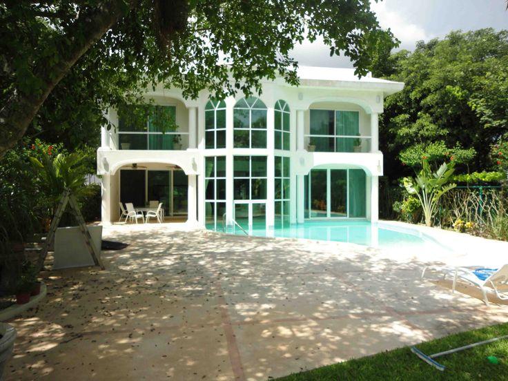 hermosa casa con pisos de marmol italiano ventanas con doble vidrio mesetas de granito