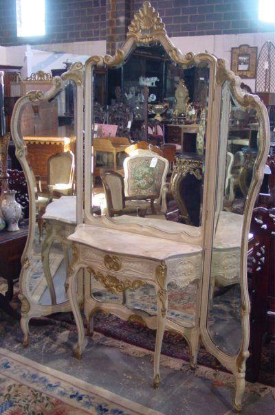 720: WHITE & GILT PAINT DECORATED TRIFOLD FRENCH VANITY : OMG!!!!!!!!!!!!!!!!!!!!!