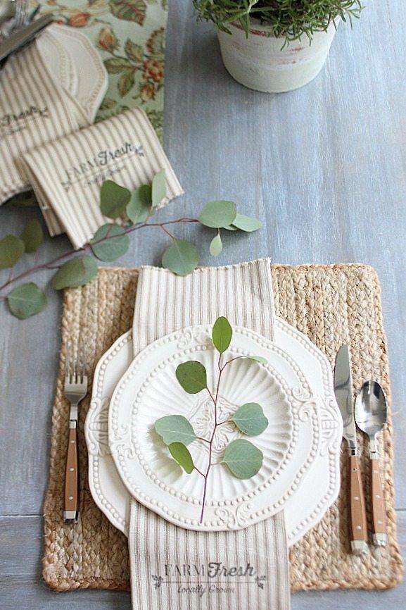 Farmhouse napkins free printable made from 1 yard of fabric - Farm Fresh