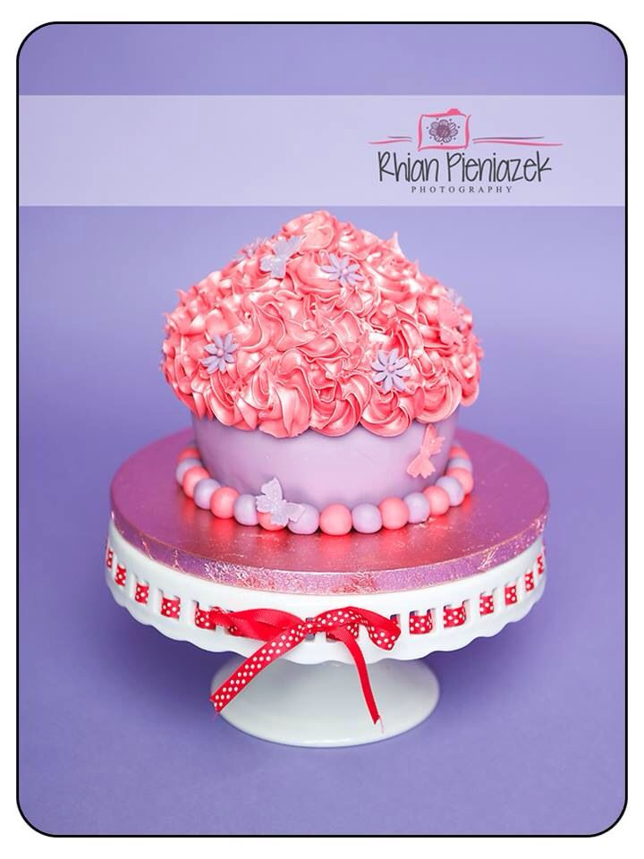 Pink and lilac giant cupcake. Cakes By Helzbach. Rhian Pieniazek Photography.