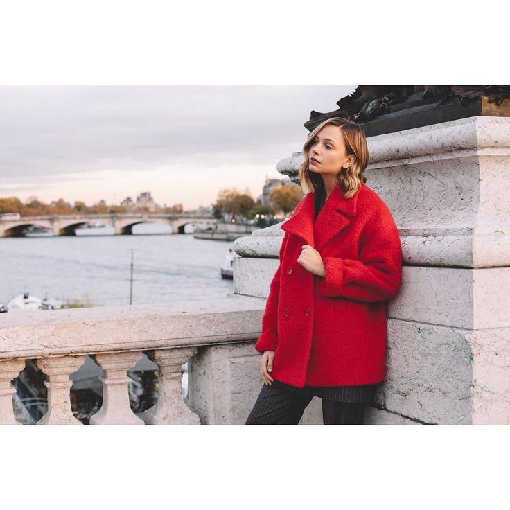 Paris mood✨ На фото: шерстяной бушлат с доставлением мохера на зиму до -10 градусов #janasegetti #fashion #style #design #shopping #paris