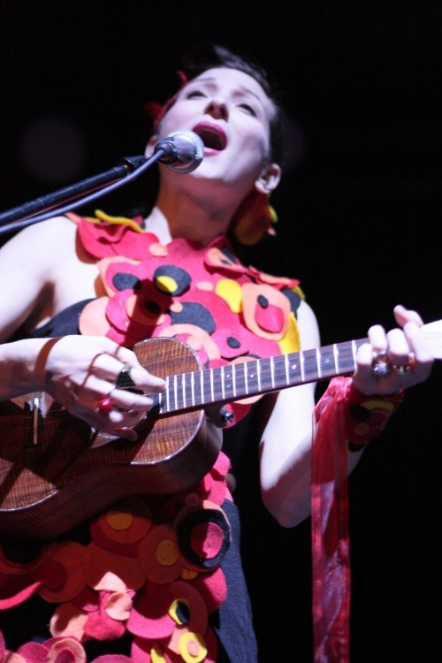 My Brightest Diamond, Shara Worden