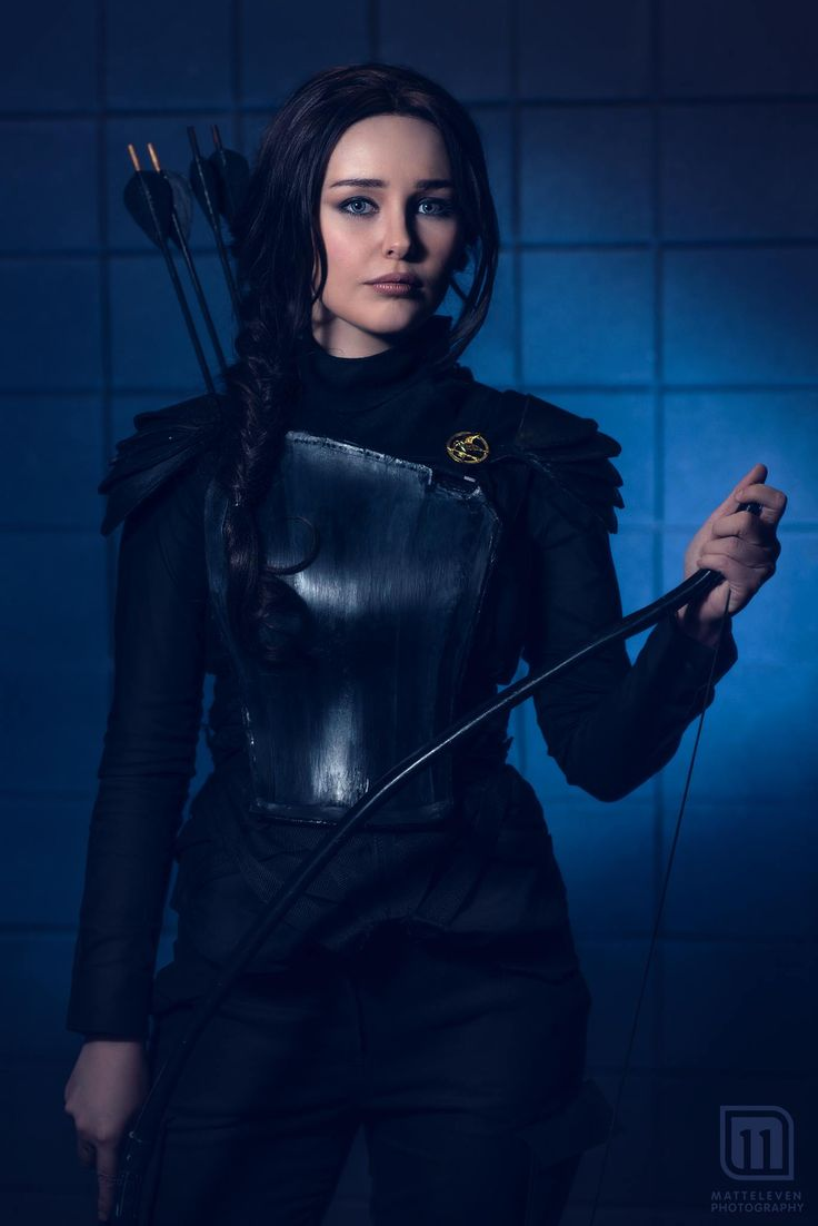 Starbit Cosplay as Katniss Everdeen | MattEleven Photography