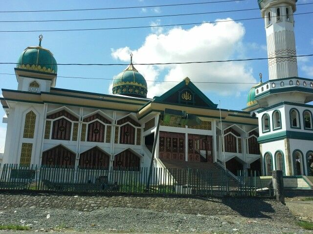 Masjid Nurul Yaqin in Sub district Majauleng - Wajo South Sulawesi, very cool inside the mosque with good architechture.