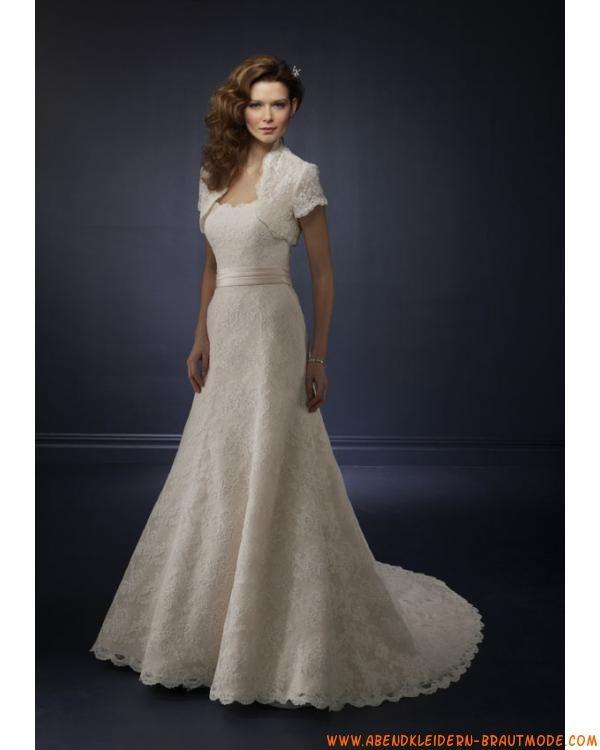 Luxurise wunderschne Brautmode aus Satin und Spitze mit Schleppe