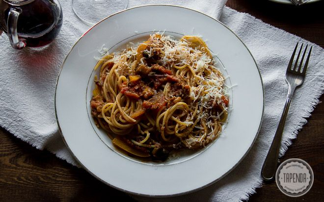 Spaghetti po sycylijsku z bakłażanem - przepis - Tapenda.pl