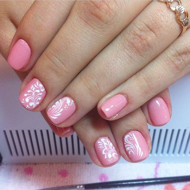 Lace pink nails