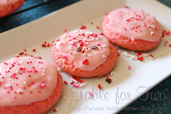 strawberry cream cheese cookies..cute to make for Valentines day!
