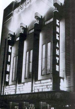 En la colonia San Rafael se localizaba el Cine Encanto. De estilo Art Deco puro, abrió sus puertas el 5 de mayo de 1937. Se cobraban 3 pesos por función. Con grandes salas, las cuales se dividían en luneta, anfiteatro, galería y los segundos. En 1957 tuvo que ser demolido debido a los danios estructurales que fueron causados x el terremoto de ese anio.
