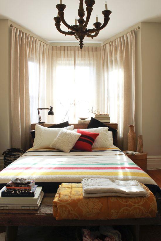 The Marion House Book - winter bedroomBays Windows, Hudson Bays Blankets Mhb, Winter Bedrooms, Beds Linens, House Book, Bedrooms Ideas, Bedroom Ideas, Beautiful Bedrooms, Cozy Beds
